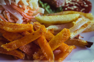 Low Carb Pommes aus Kohlrabi, Möhren, Pastinaken und Süßkartoffeln