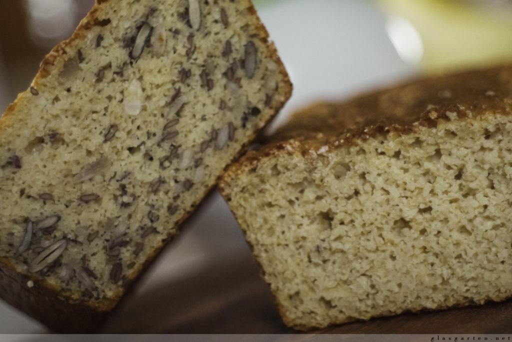 Low carb Brot, Haferkleie, Körner, Nüsse, Samen, Saaten, lecker